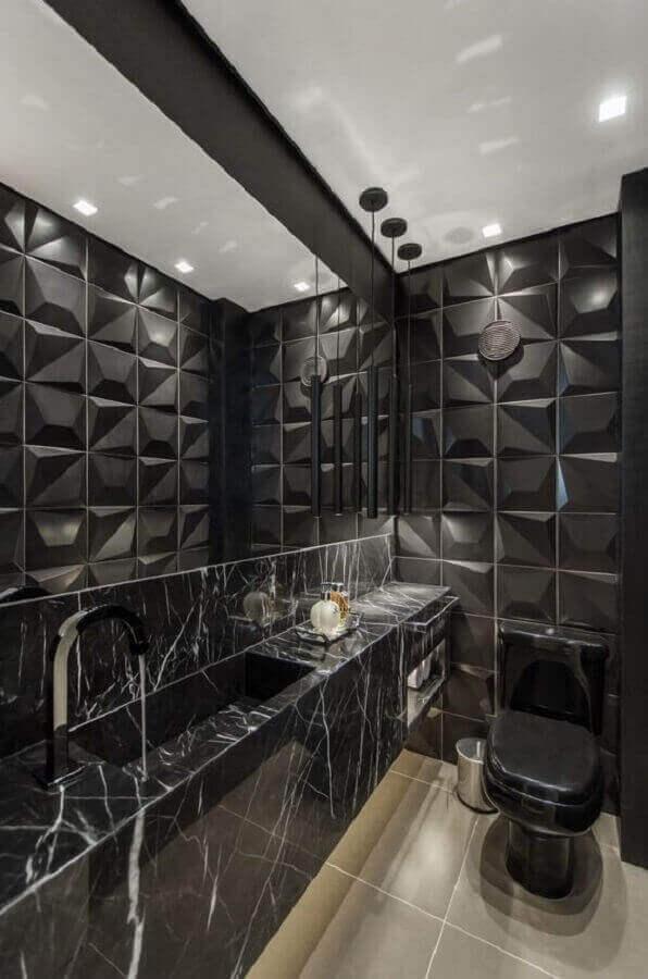 revestimento 3D preto para banheiro decorado com bancada de mármore preto Foto Studio DB