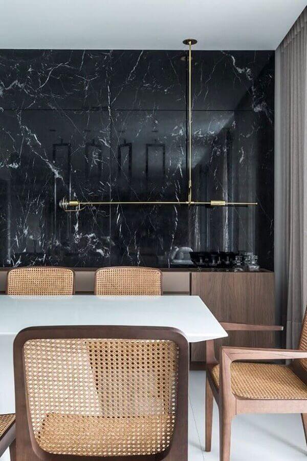 revestimento preto de mármore para decoração de sala de jantar sofisticada Foto Pinterest