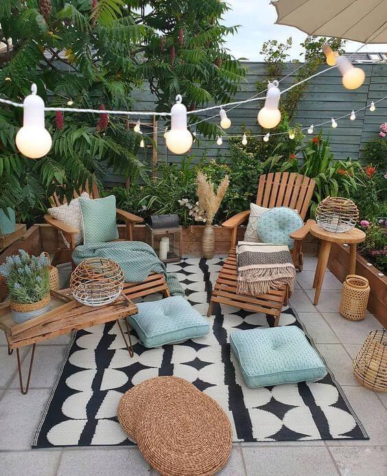 As melhores ideias para jardim contam com móveis confortáveis e charmosos