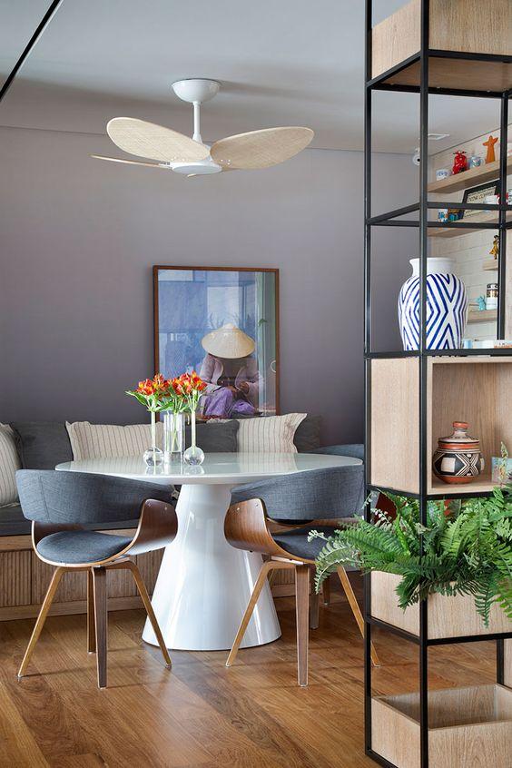 Base cone para mesa de jantar branca e moderna