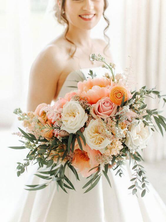 Buque de flores cor pessego