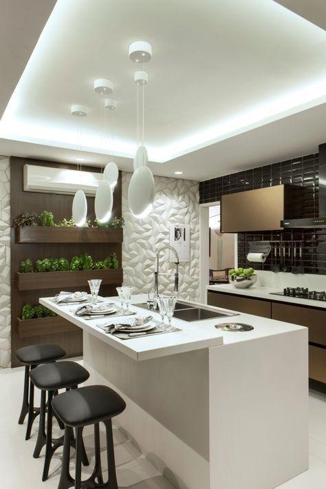 Cozinha com parede de porcelanato 3D