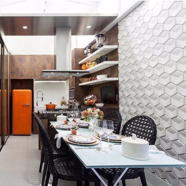 Cozinha com revestimento 3D branco