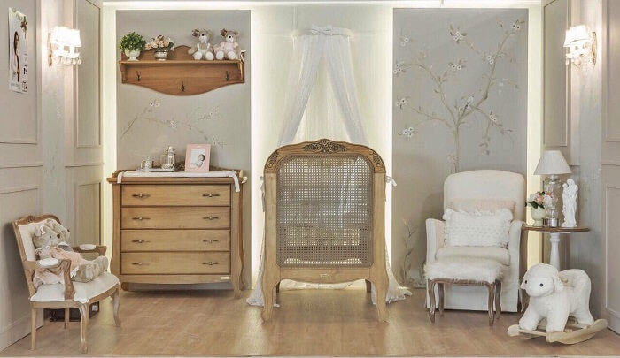 Decoração clean de quarto marrom e cinza. Projeto de Larissa Franco Arquitetura