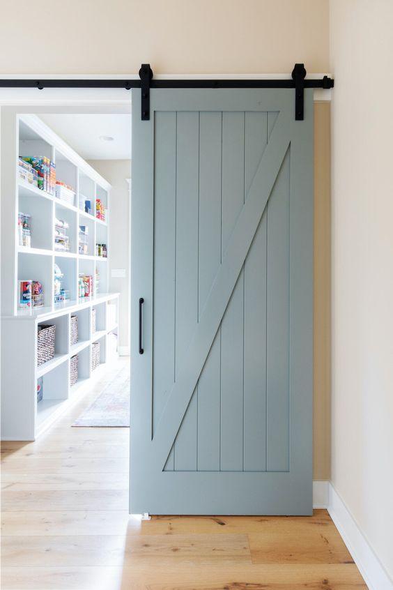 Decoração com porta de correr para sala