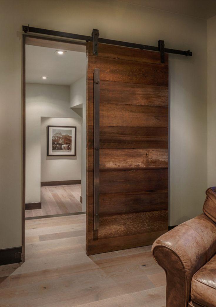 Decoração com porta de correr para sala de madeira