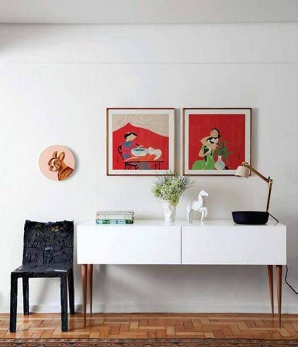 Decoração simples com aparador pé palito branco. Fonte: Pinterest