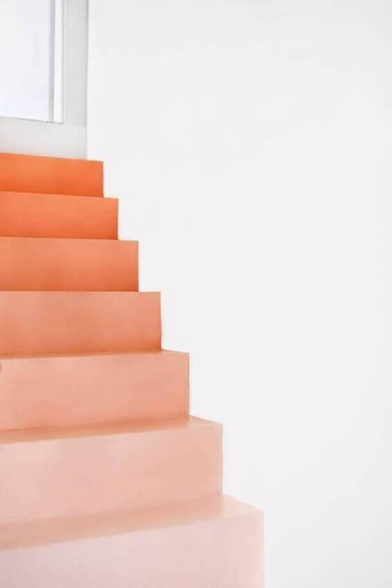 Escada com tons de pessego