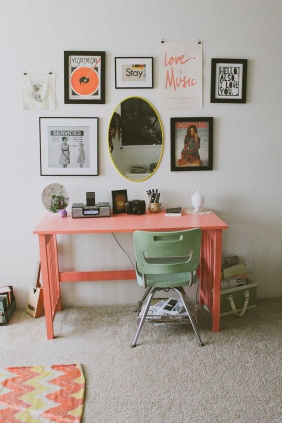 Escrivaninha cor pessego para quarto moderno