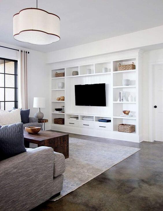 Estante de gesso para TV na sala