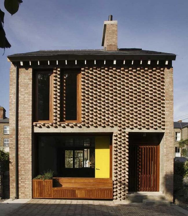 Fachada de casa com revestimento 3D externo. Fonte: Revista Viva Decora 2