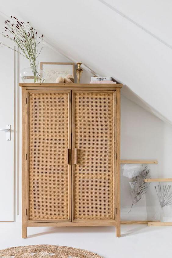 Guarda roupa 2 portas pequeno e rustico