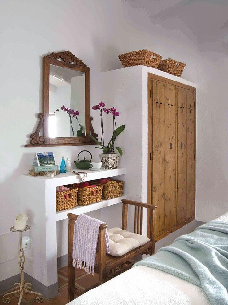 Guarda roupa rustico com estrutura de gesso e portas de madeira