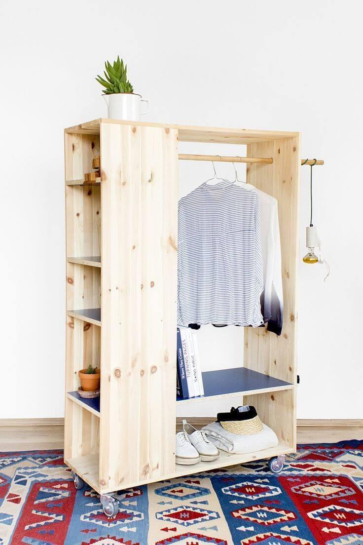Guarda roupa rustico de madeira e pallet