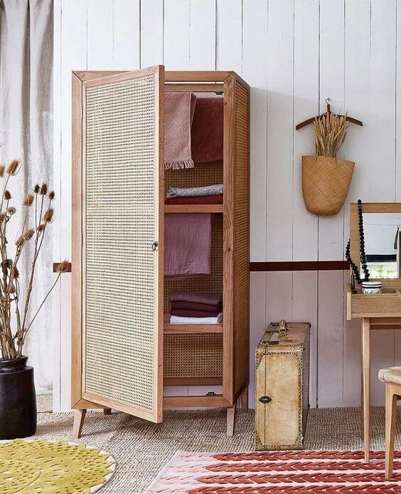 Guarda roupa rustico pequeno para decoração de madeira
