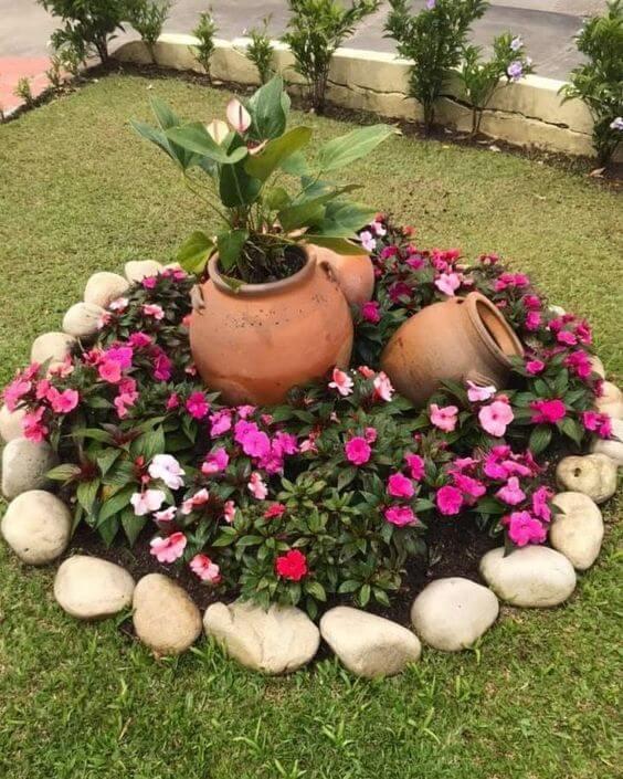 Ideias para jardim com flores e pedras