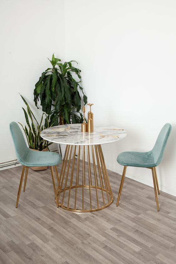 Mesa cone 2 lugares para casa pequena