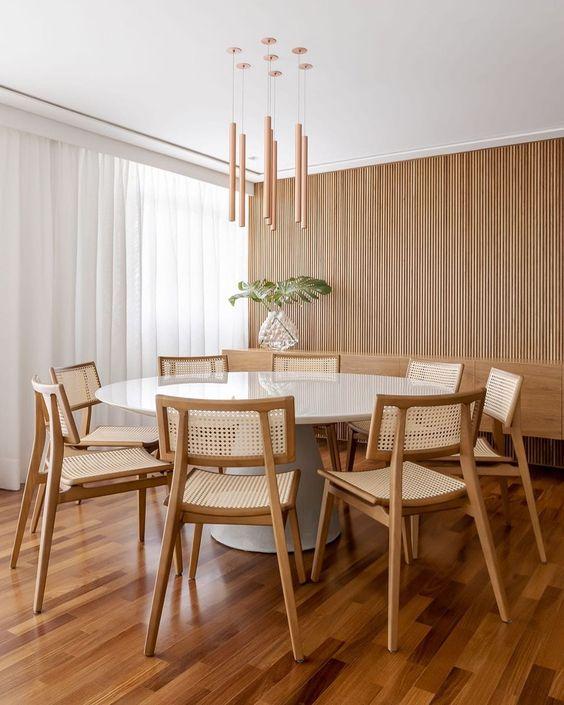 Mesa cone redonda com tampo de vidro branco