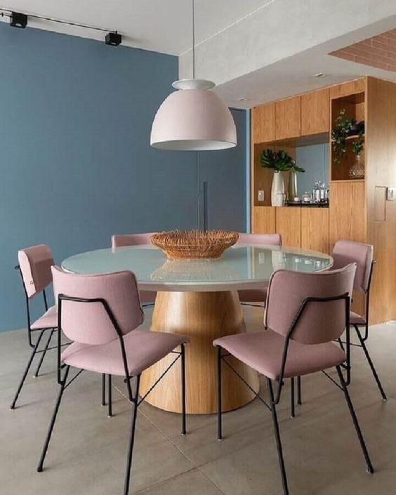 Mesa redonda cone com cadeiras rose