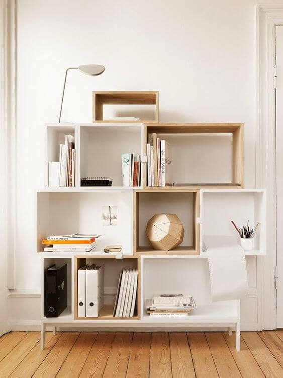Mini estante criativa para sala de estar