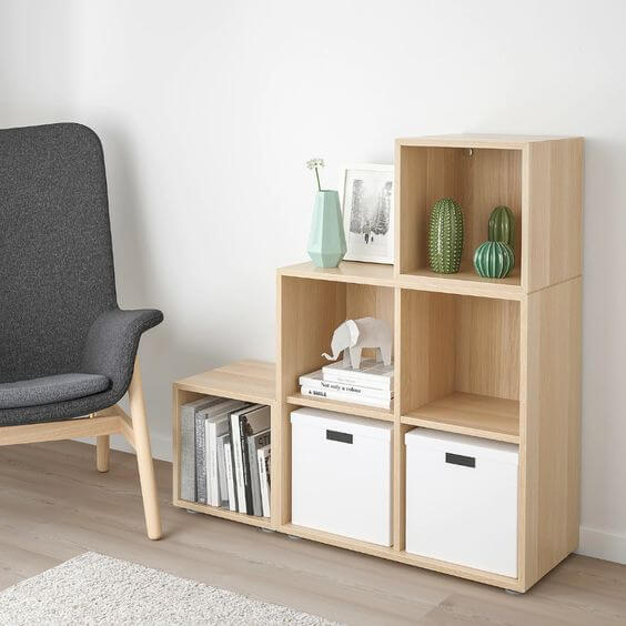 Mini estante de madeira para escritório