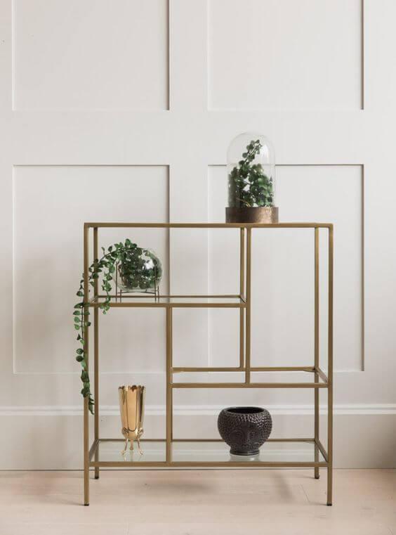 Mini estante dourada para vasos decorativos