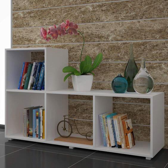 Mini estante para sala de estar na cor branca