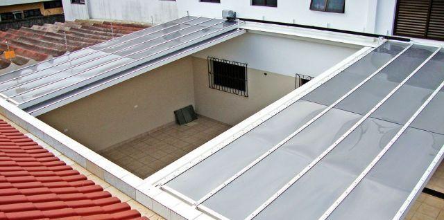 Modelo de cobertura para garagem retrátil feita em policarbonato. Fonte: Pinterest