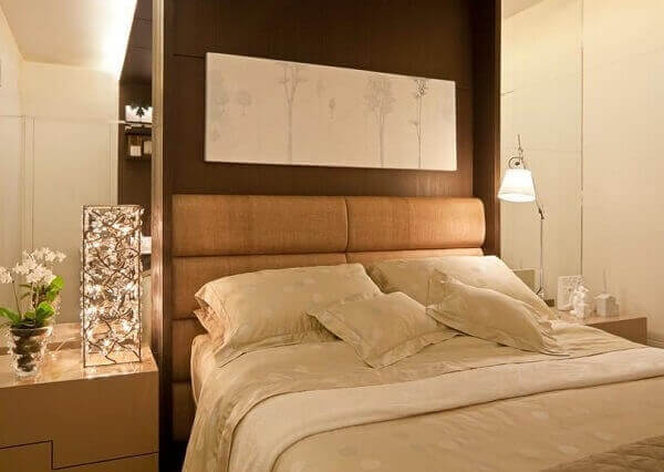 O clima de aconchego mais realçado pela decoração de quarto marrom e bege. Fonte: Pinterest
