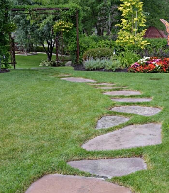 O encaixe das pedras São Tomé podem formar lindos caminhos. Fonte: Pinterest