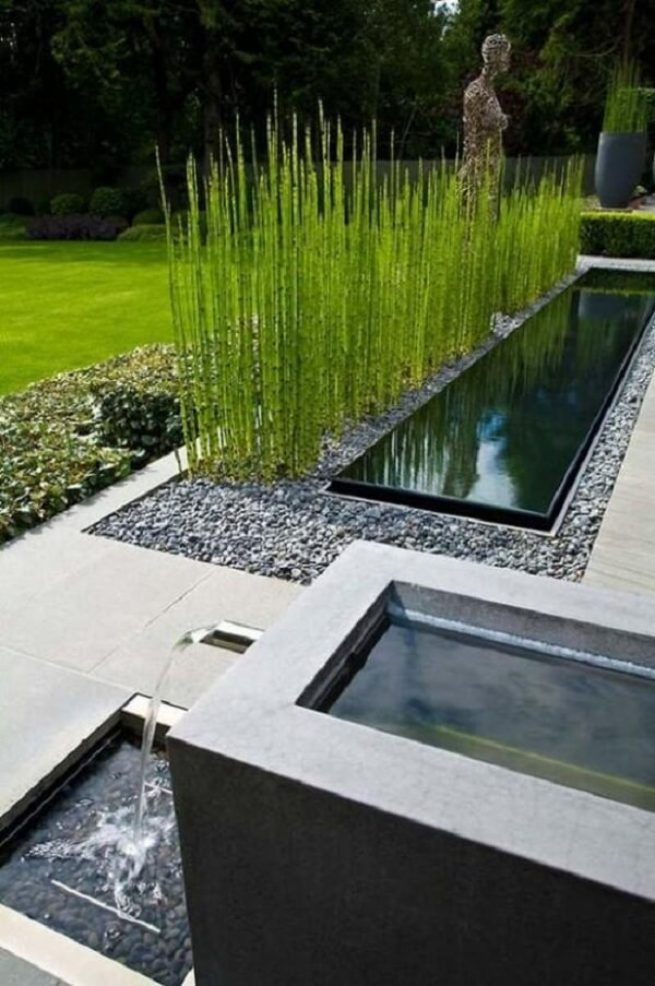 O jardim com pedras se transforma em um espaço Zen aconchegante. Fonte: Pinterest