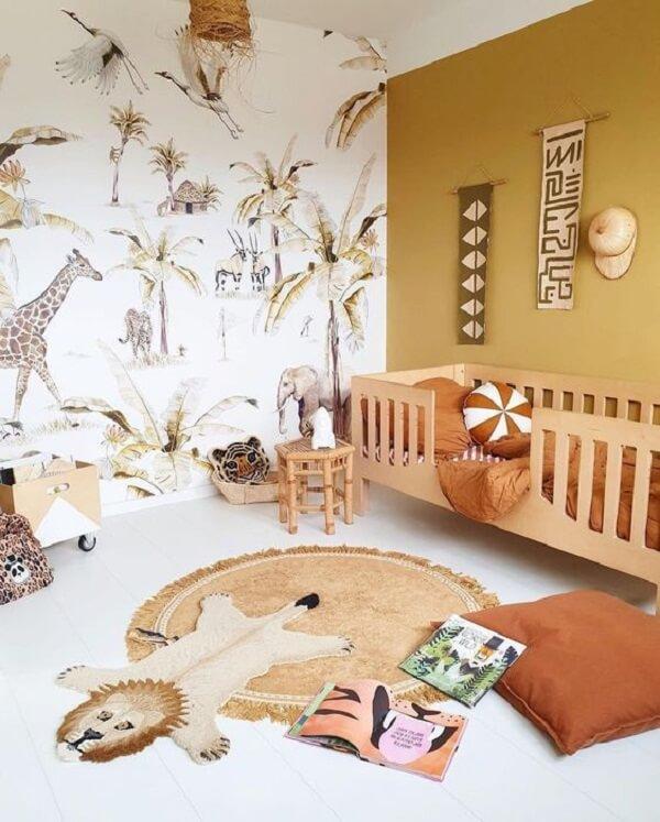 Para quem ama a temática de safari pode usar e abusar do quarto marrom. Fonte: Pinterest