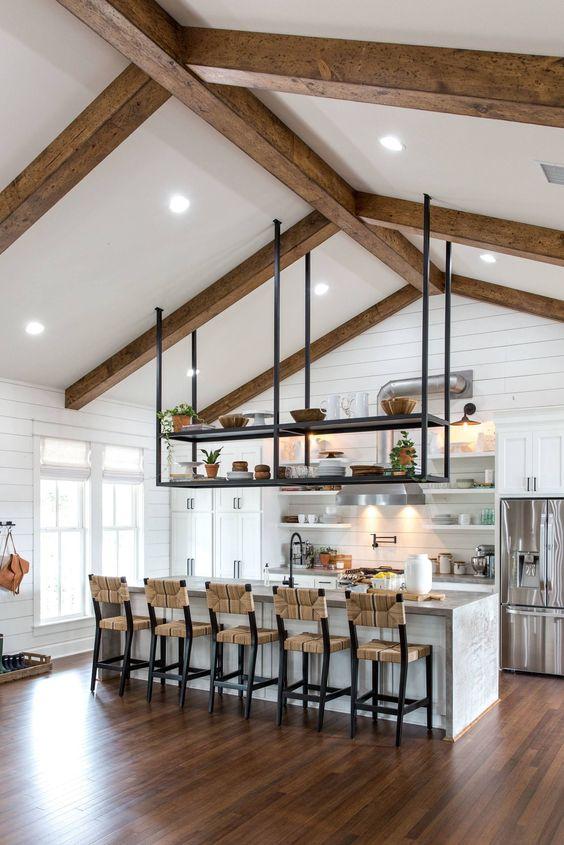 Piso marrom de madeira laminado para cozinha americana