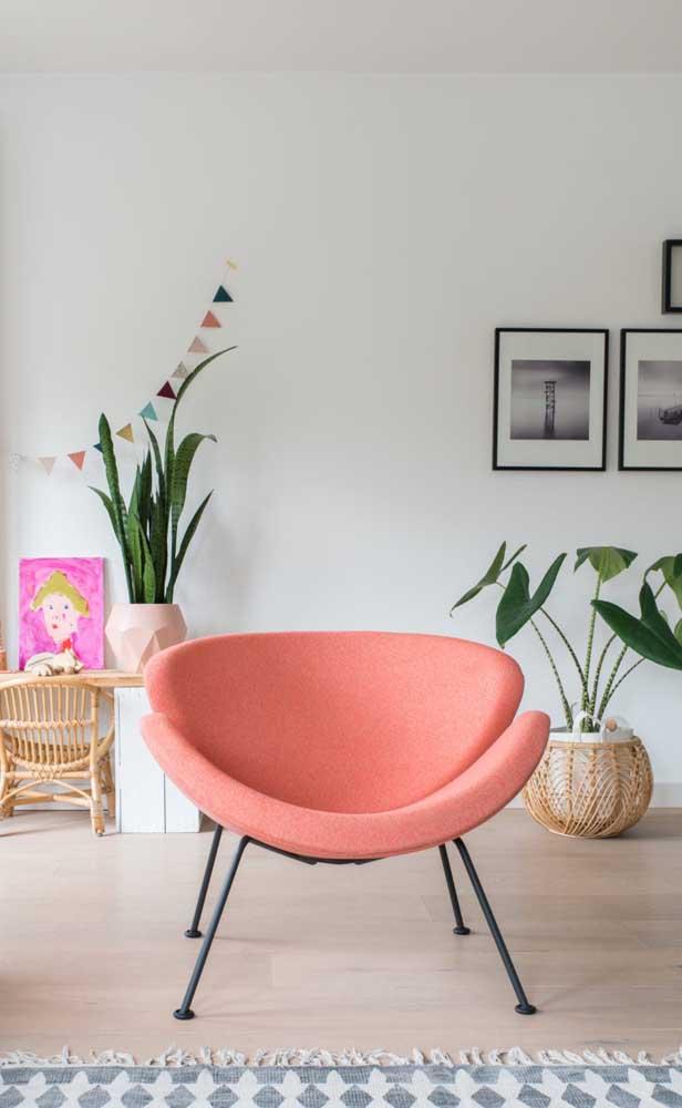 Poltrona cor pessego para decoração moderna