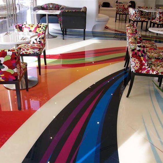 Porcelanato liquido 3D na sala e estar colorida