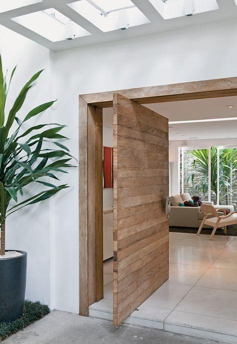 Porta de madeira para sala clássica