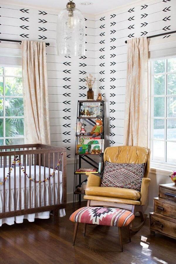 Quarto de bebê marrom estilo boho chic. Fonte: Pinterest