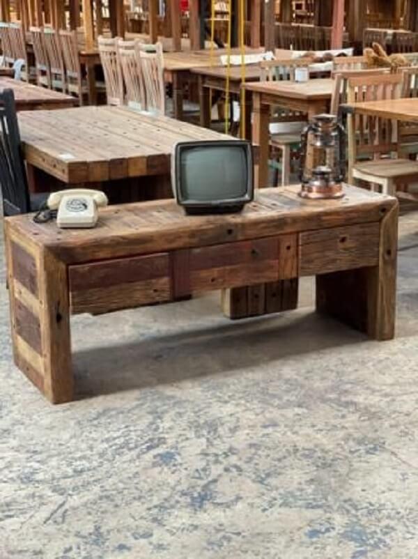 Rack rustica de madeira para sala