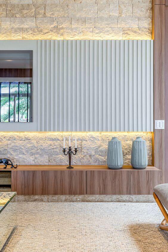 Rack rustico de madeira com papel de parede tijolinho branco