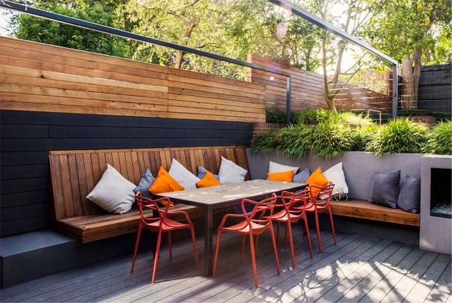 Revestimento para varanda externa em madeira. Fonte: Revista Viva Decora