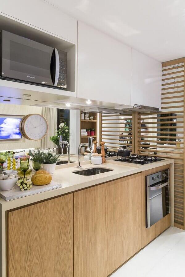armário aéreo branco para decoração de cozinha com gabinete de madeira Foto Jeito de Casa