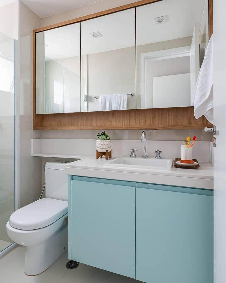 armário suspenso para banheiro branco decorado com gabinete azul claro Foto Jeito de Casa