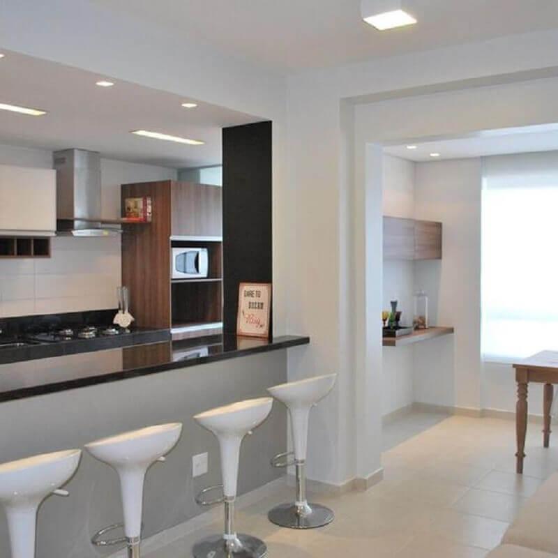 banqueta giratória branca para decoração de cozinha americana Foto Pinterest