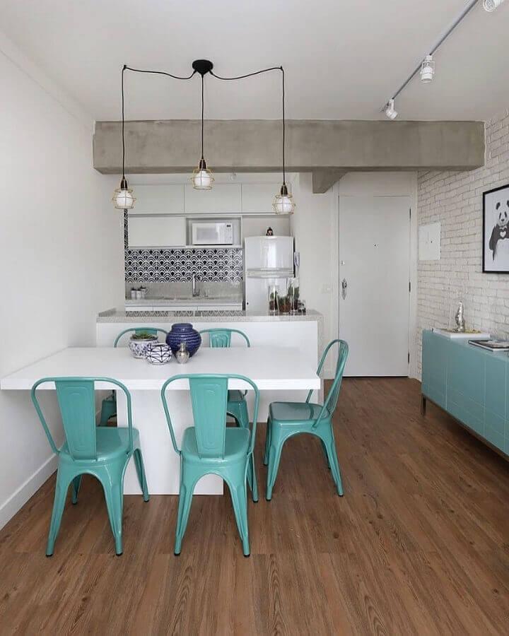 cadeira verde piscina para decoração de sala de jantar com cozinha americana integrada Foto Casa 2 Arquitetos