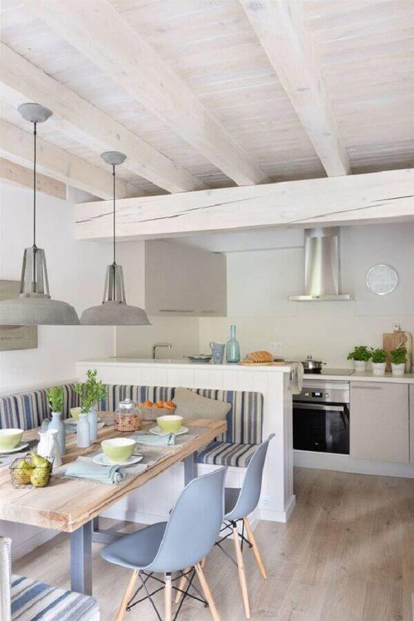 canto alemão para decoração de sala de jantar com cozinha americana branca Foto Arkpad