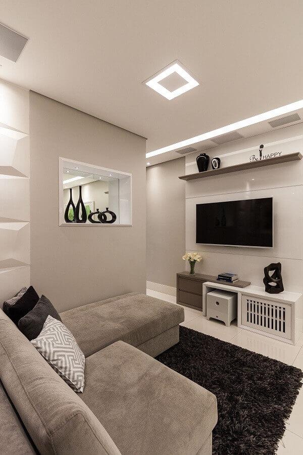 cores claras para sala de apartamento decorado com sofá cinza com chaise Foto Red Square Arquitetura