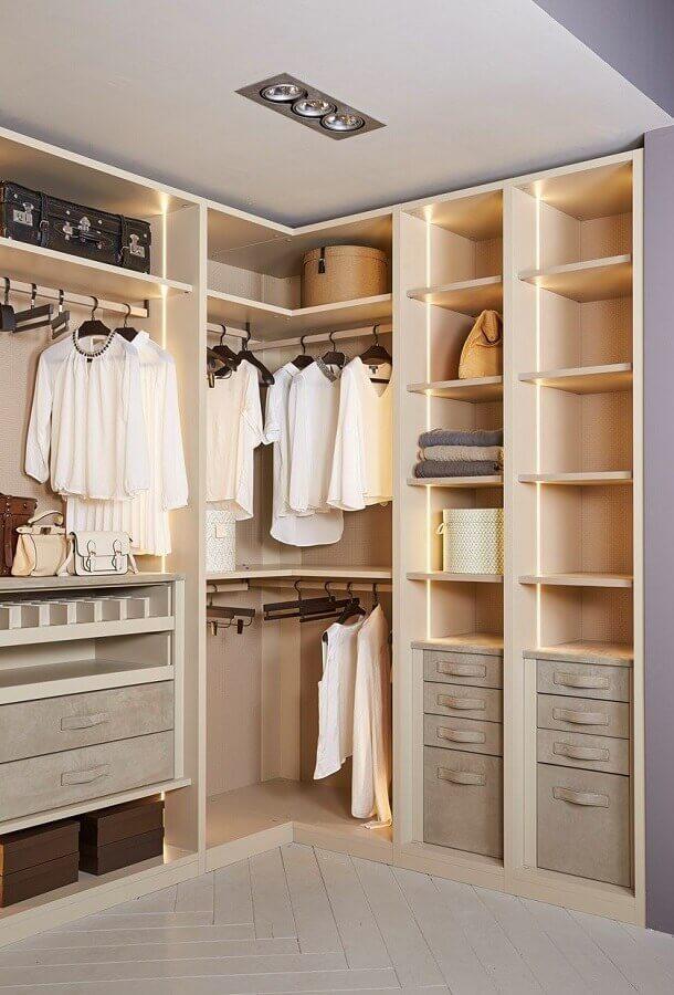 cores neutras para decoração de armário tipo closet de canto Foto Pinterest