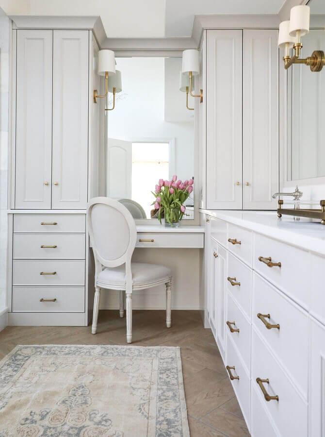 decoração clássica para closet armário planejado Foto Circa Lighting