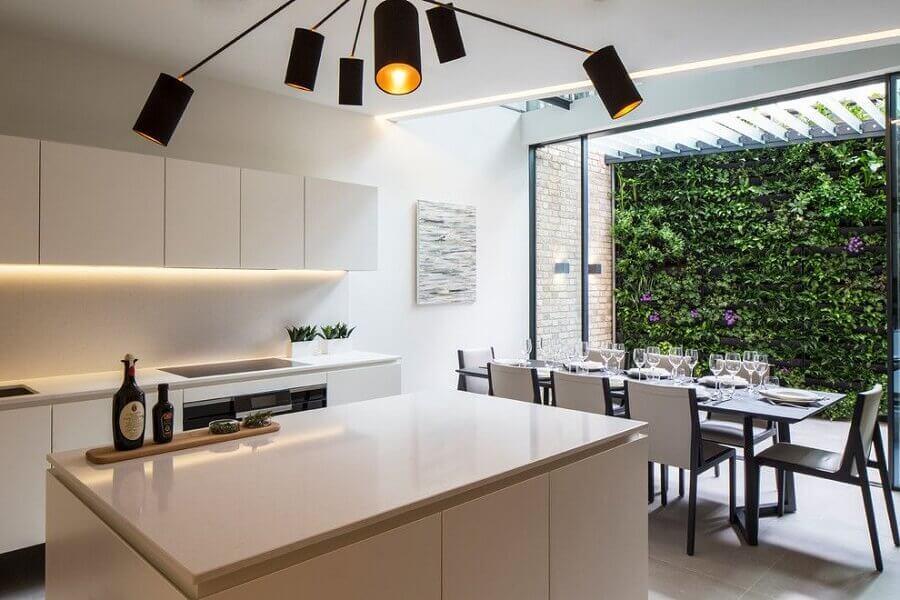 decoração clean para cozinha americana com sala de jantar moderna Foto Houzz