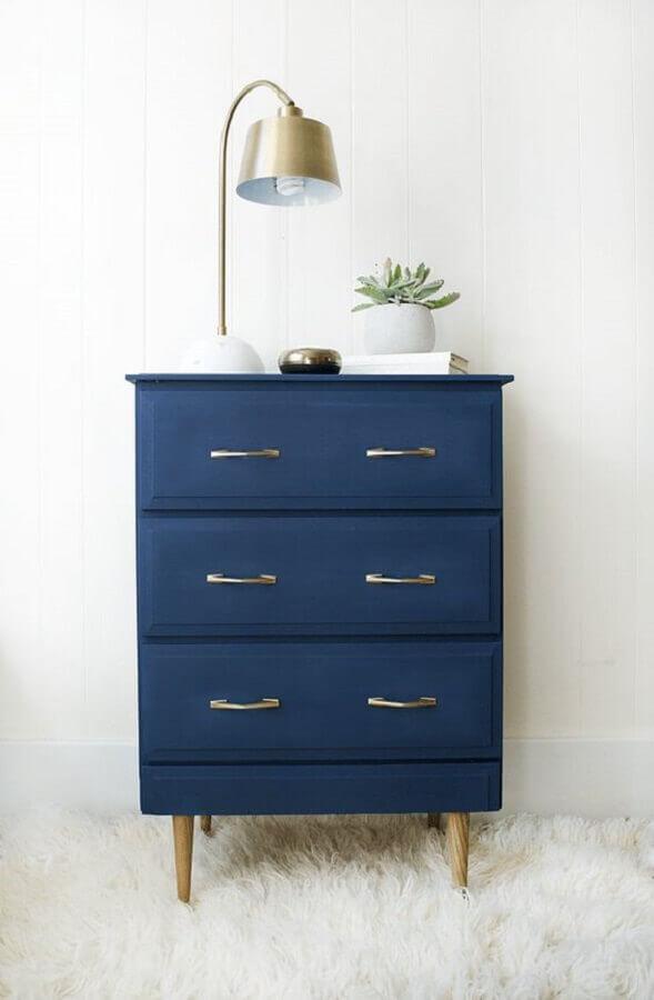 decoração com cômodas coloridas para quarto branco Foto Pinterest
